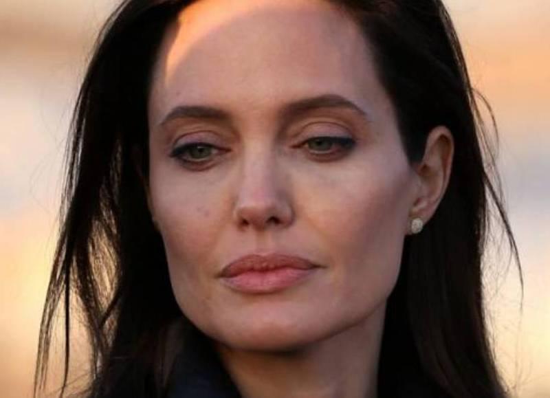 Angelina En Crisis Ahora Quiere Volver Con Brad